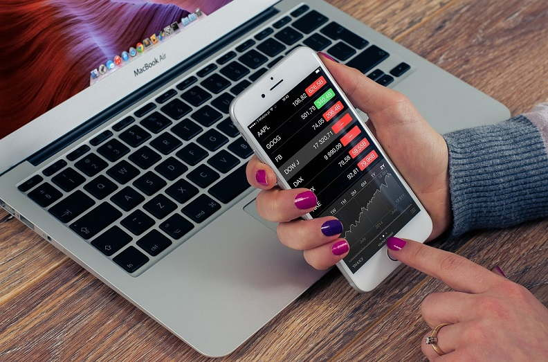 Use of Technology in Keeping Track of Finances