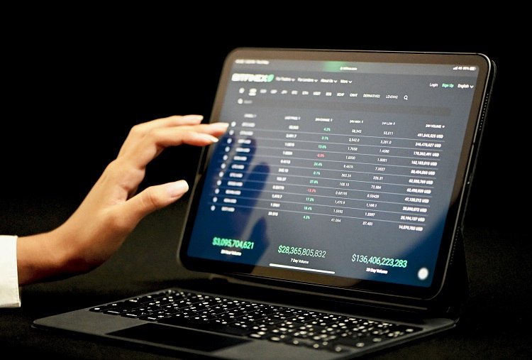 Can You Keep Learning About Efficient Trading