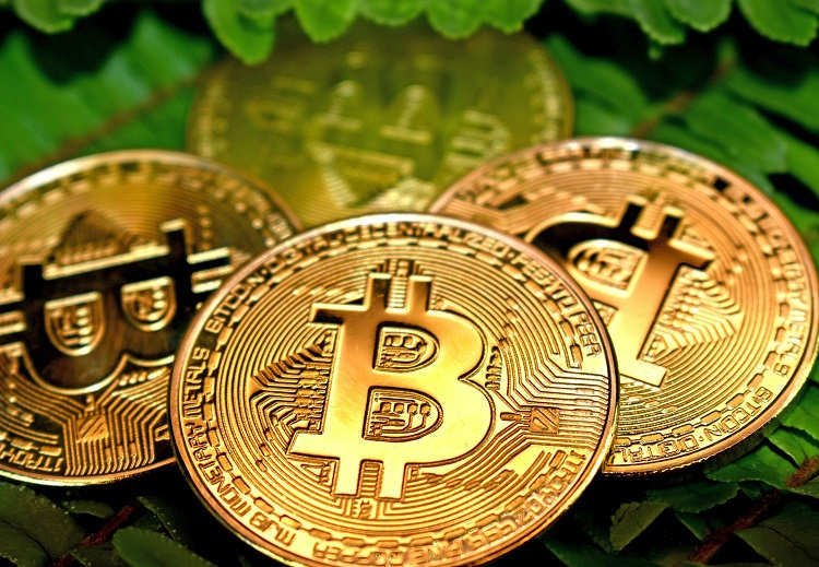 How Does Bitcoin Solve Double Spending